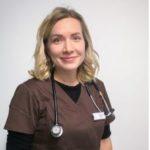 Eläinlääkäri Niina Murto